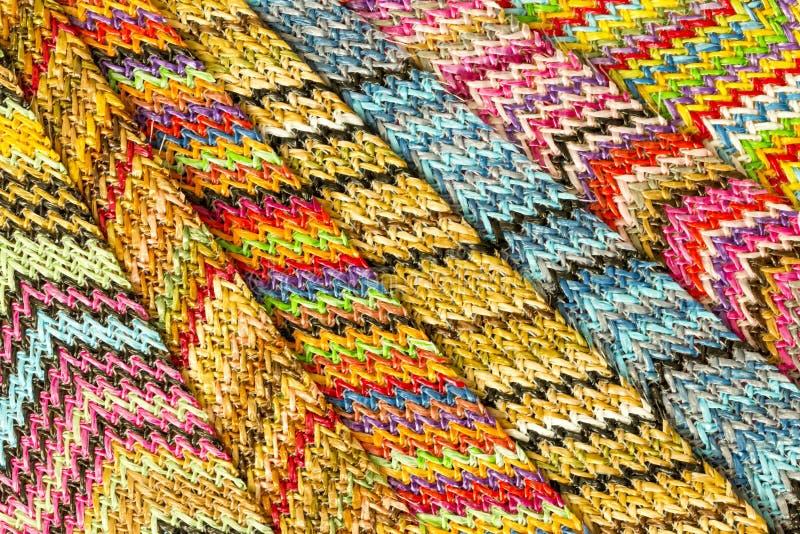 Fondo abstracto inconsútil multicolor de Zig Zag fotos de archivo libres de regalías