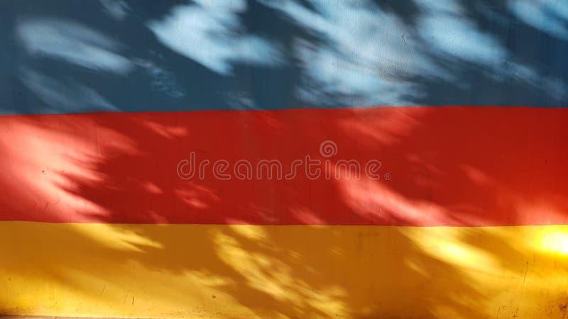 Fondo abstracto rayado de tres colores vibrantes fotos de archivo libres de regalías