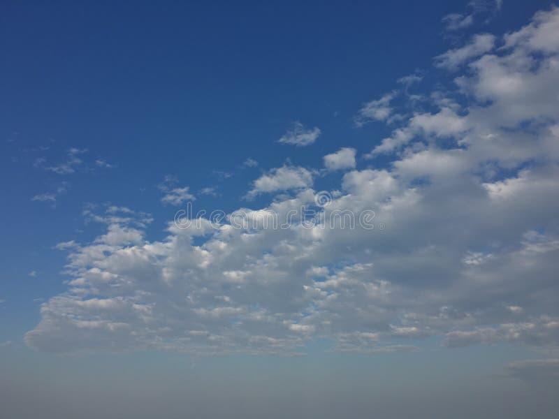Fondo agradable del cielo del tiempo fotografía de archivo