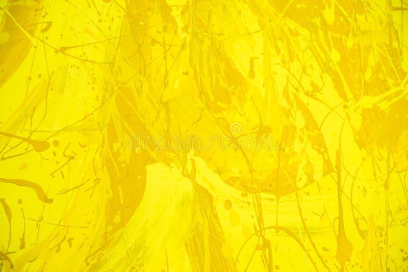 Fondo amarillo abstracto o del oro de la acuarela Pintura de la mano del arte Textura del muro de cemento de Grunge fotos de archivo libres de regalías