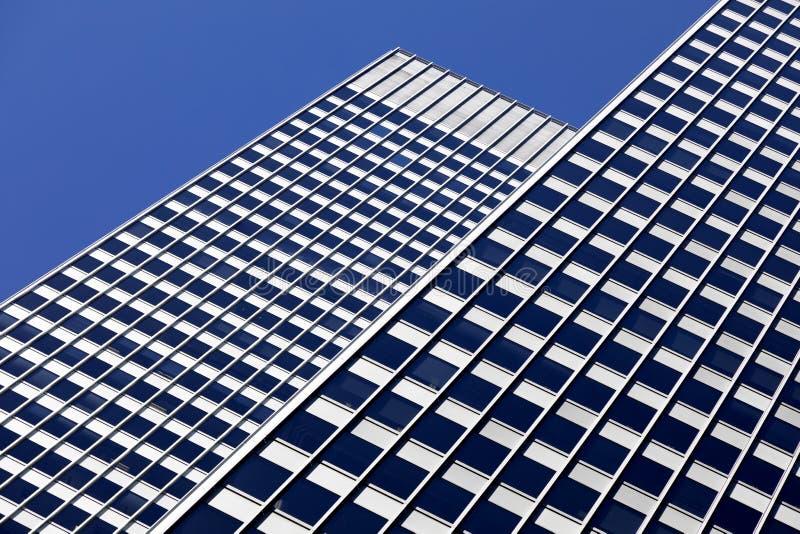 Fondo architettonico nei toni blu fotografie stock libere da diritti