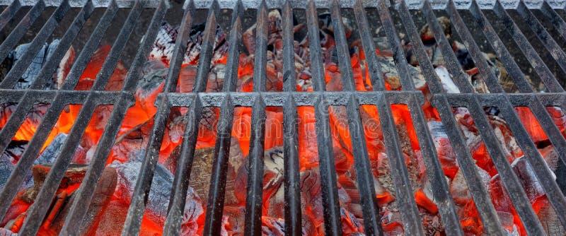 Fondo ardente vuoto della griglia del BBQ immagine stock