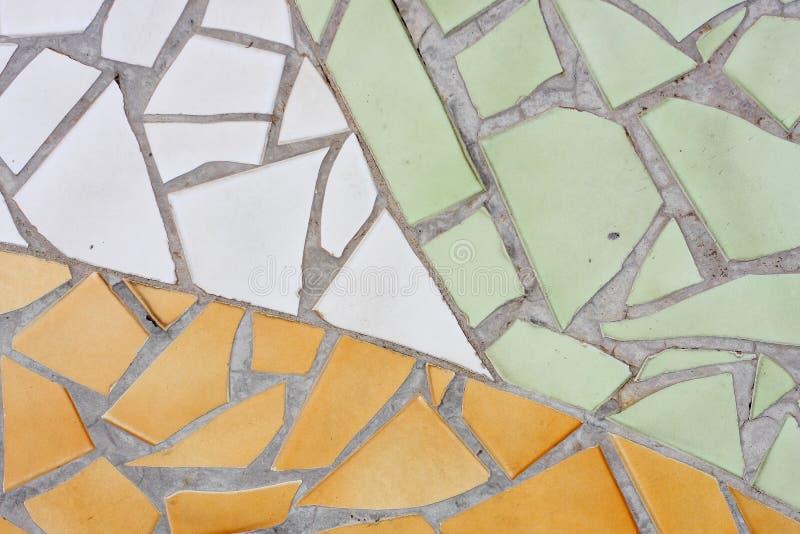 Fondo astratto del modello delle piccole mattonelle multicolori fotografia stock libera da diritti