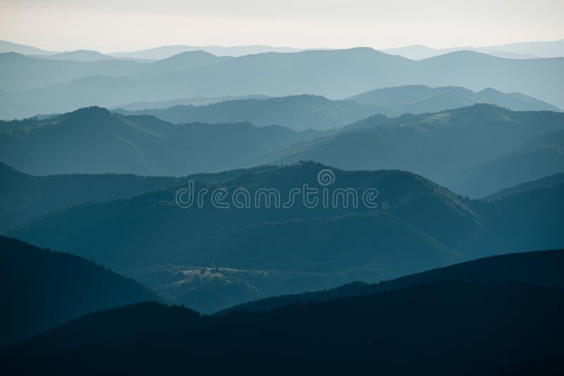 Fondo astratto della montagna fotografia stock libera da diritti