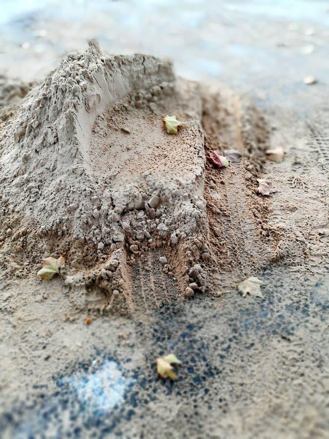 Fondo astratto, pavimentazione della via in autunno immagine stock