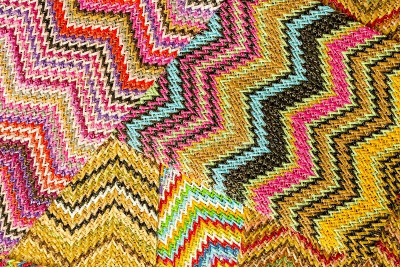 Fondo astratto senza cuciture multicolore di Zig Zag fotografie stock