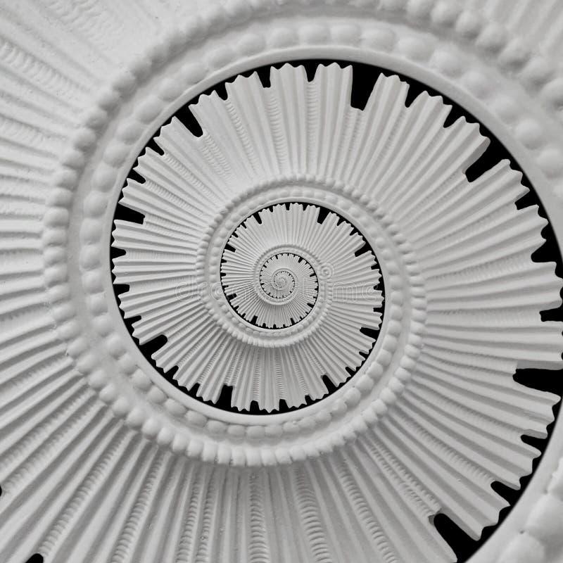 Fondo astratto a spirale di modellatura del modello di frattale di intonaco dello stucco nero bianco Fondo a spirale astratto di  immagine stock