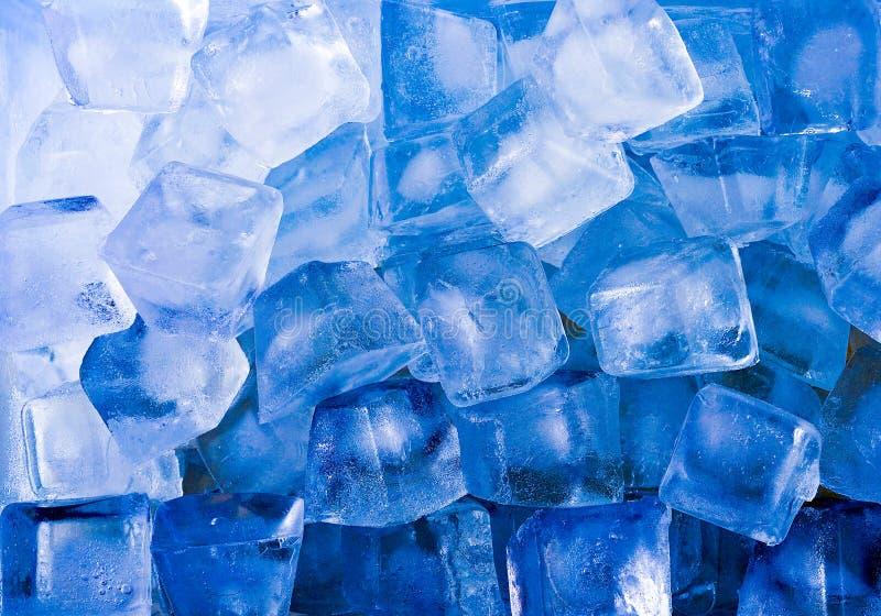 Fondo azul abstracto de cubo de hielo fotografía de archivo libre de regalías
