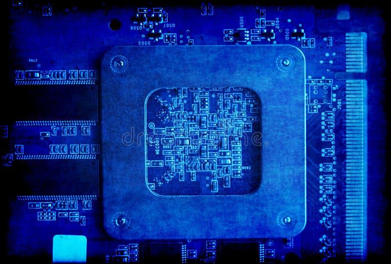 Fondo azul del grunge de la placa de circuito electrónica fotos de archivo libres de regalías