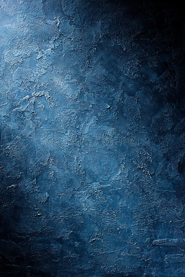 Fondo azul texturizado áspero de la pared imagenes de archivo