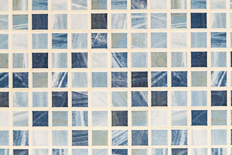 Fondo azul y blanco de teja de mosaico, textura abstracta, macra fotos de archivo libres de regalías