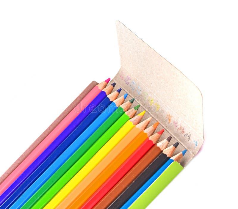 Fondo bianco isolato del contenitore di matite di colore fotografia stock libera da diritti