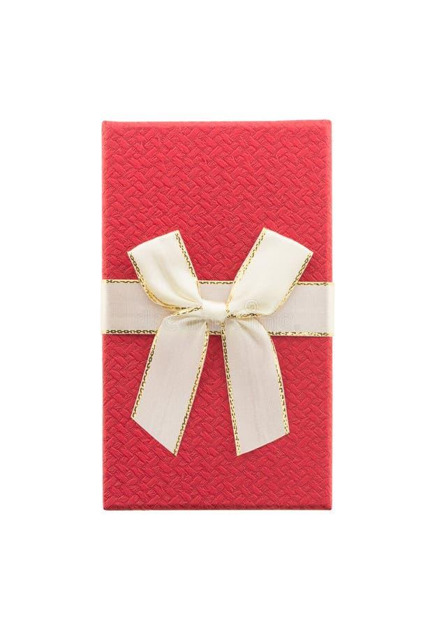 Fondo blanco aislado rojo de la caja de regalo imágenes de archivo libres de regalías