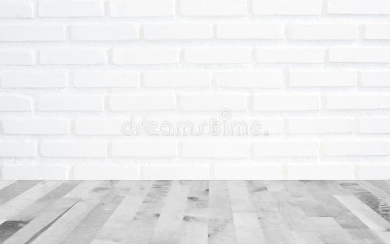Fondo blanco de la pared de ladrillo con la madera de la luz de la perspectiva, slightl fotografía de archivo