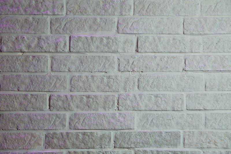 Fondo blanco de la textura de la pared de ladrillo Viejo cierre blanco de la textura del fondo de la pared de ladrillo para arrib foto de archivo libre de regalías