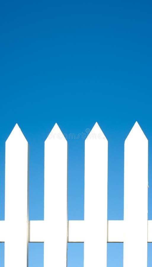 Valla de estacas blanca Background fotografía de archivo