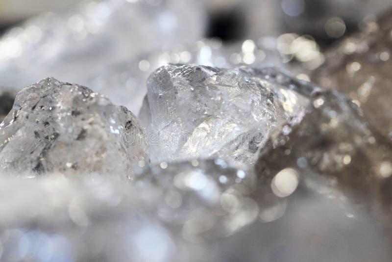 Fondo blanco del roca-cristal imagen de archivo