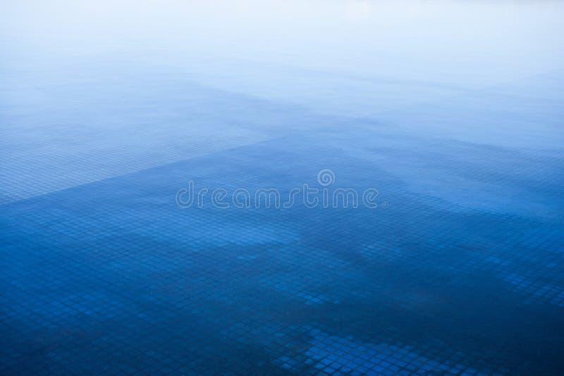 Fondo blu astratto della natura fotografia stock