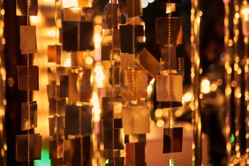 Fondo borroso de la celebración festiva Fuegos artificiales y bokeh del oro del vintage en espacio de la víspera y de la copia de fotografía de archivo libre de regalías