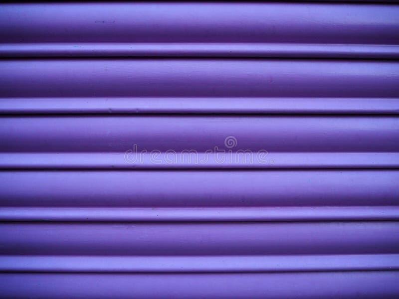 Fondo ciego metálico púrpura imagen de archivo libre de regalías