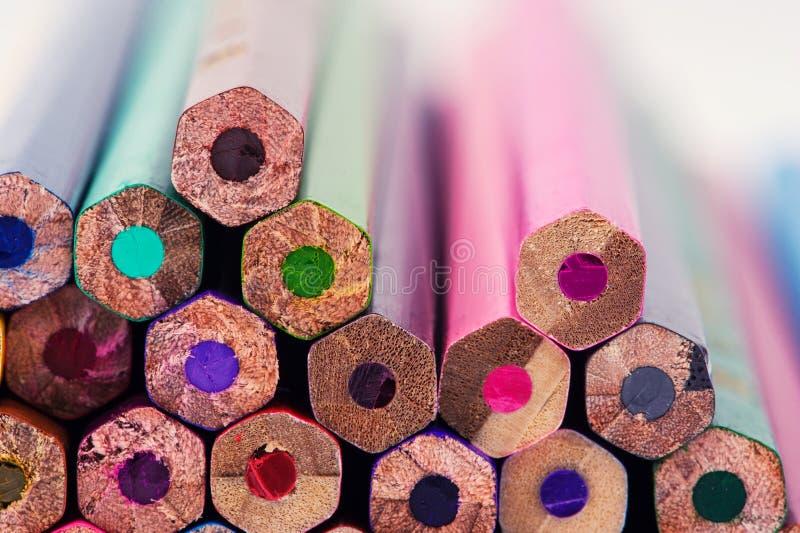Fondo colorato delle matite immagine stock libera da diritti