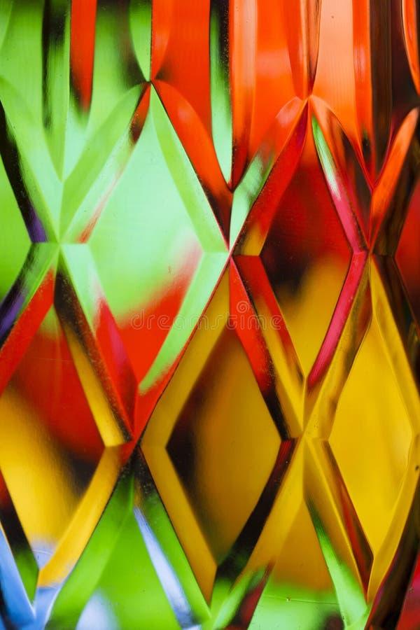 Fondo colorido abstracto del cristal tallado ilustración del vector