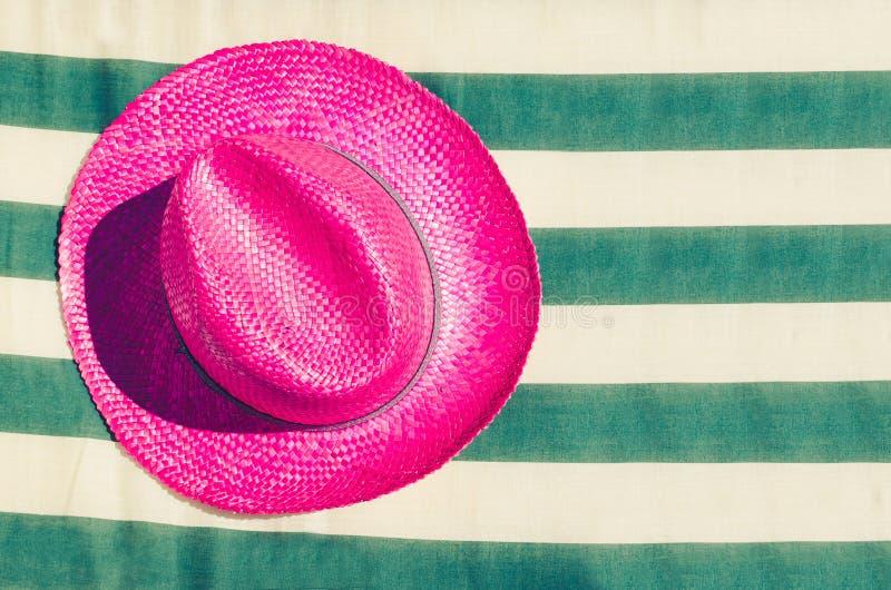 Fondo colorido de la playa de las vacaciones de verano imagenes de archivo
