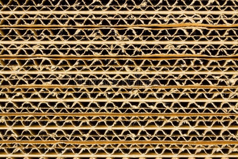 Fondo con i pannelli di sovrapposizione - immagine completa del cartone ondulato Recycled della struttura fotografia stock libera da diritti
