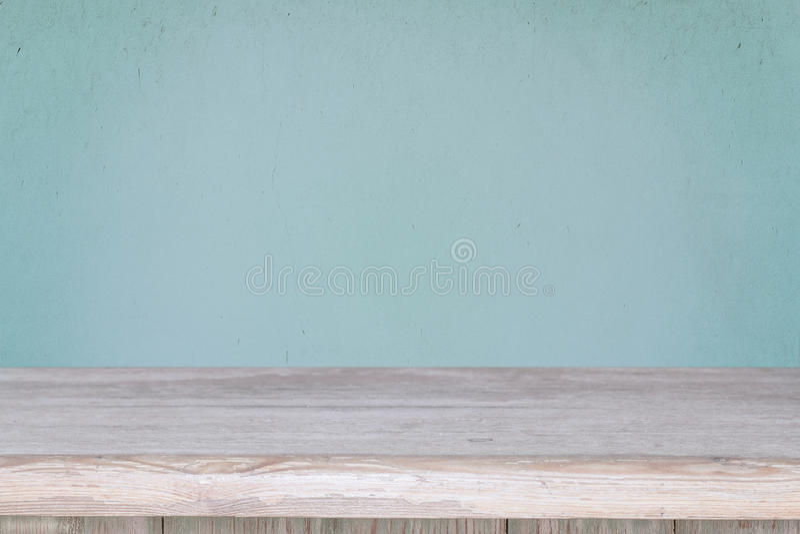 Fondo con la tabla y la pared de madera del azul del grunge imagen de archivo