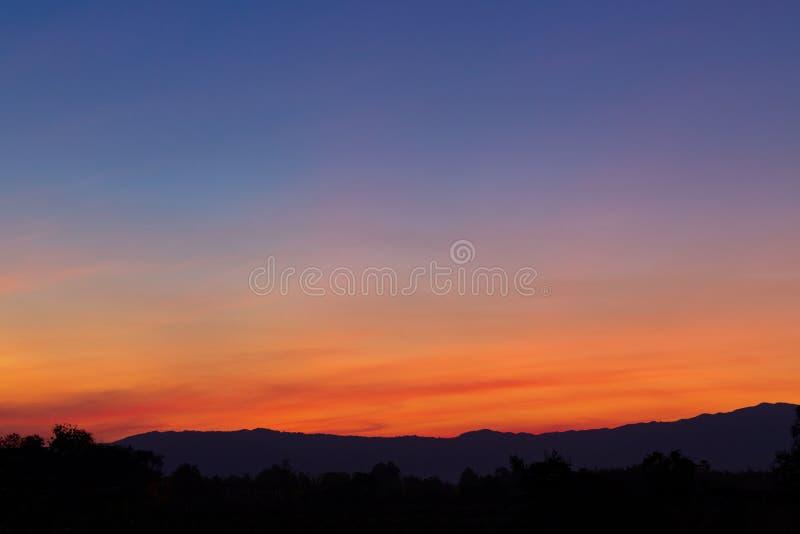 Fondo crepuscular del cielo imagen de archivo libre de regalías