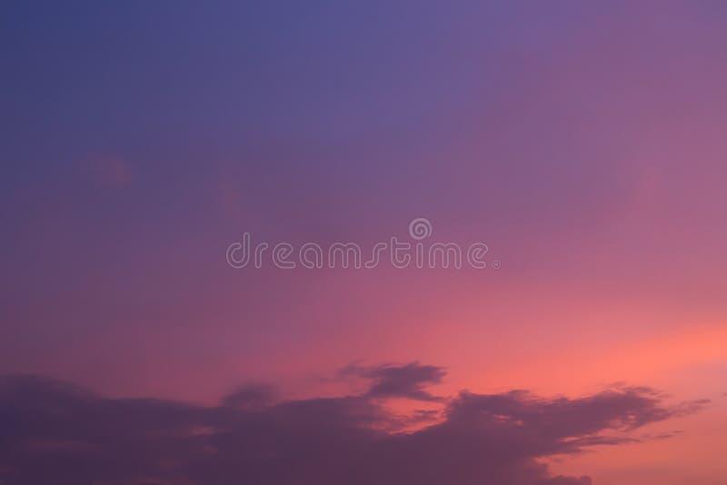 Fondo crepuscular del cielo, cielo azul de la puesta del sol imágenes de archivo libres de regalías