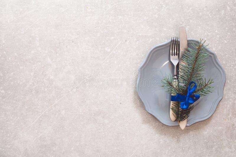 Fondo, cubiertos, placa y la Navidad de la comida de la Navidad del día de fiesta imagenes de archivo