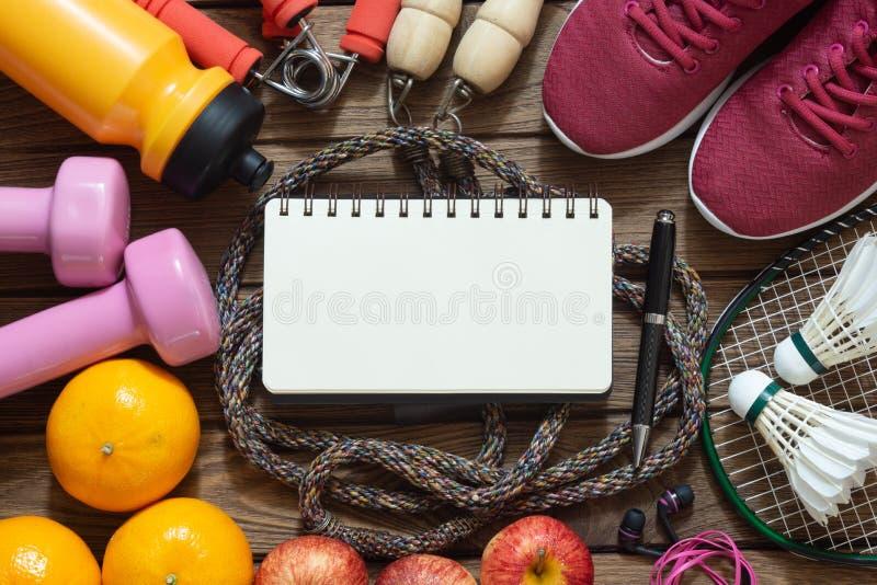 Fondo de dieta de la aptitud y de la forma de vida activa sana con bla fotografía de archivo libre de regalías