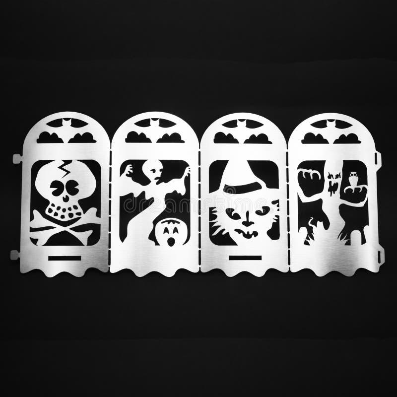 Fondo de Halloween con los fantasmas, las calabazas y el cráneo imagen de archivo libre de regalías