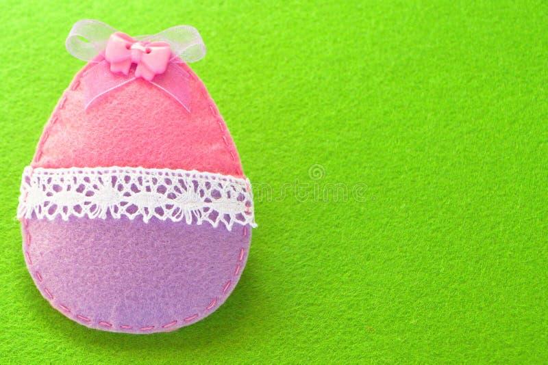 Fondo de la decoración del huevo de Pascua con el lugar vacío para un texto Decoración de Pascua imagen de archivo
