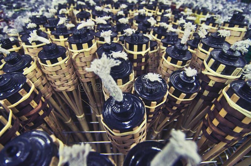 Fondo de la imagen del primer, lámparas de aceite de bambú para la celebración de la UL Fitr del eid foto de archivo