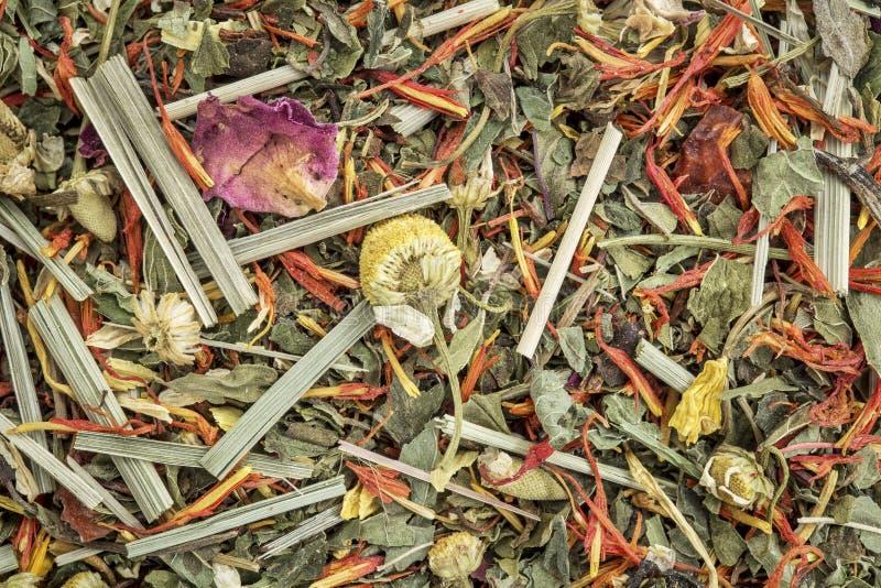 Fondo de la infusión de hierbas de la digestión y del hinchazón imágenes de archivo libres de regalías