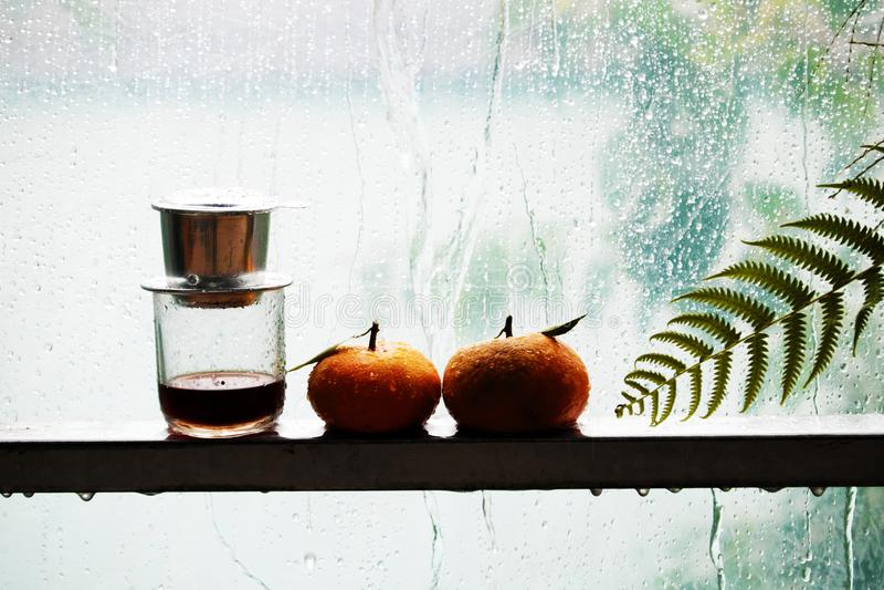 Fondo de la lluvia, gotas de agua en ventana foto de archivo libre de regalías