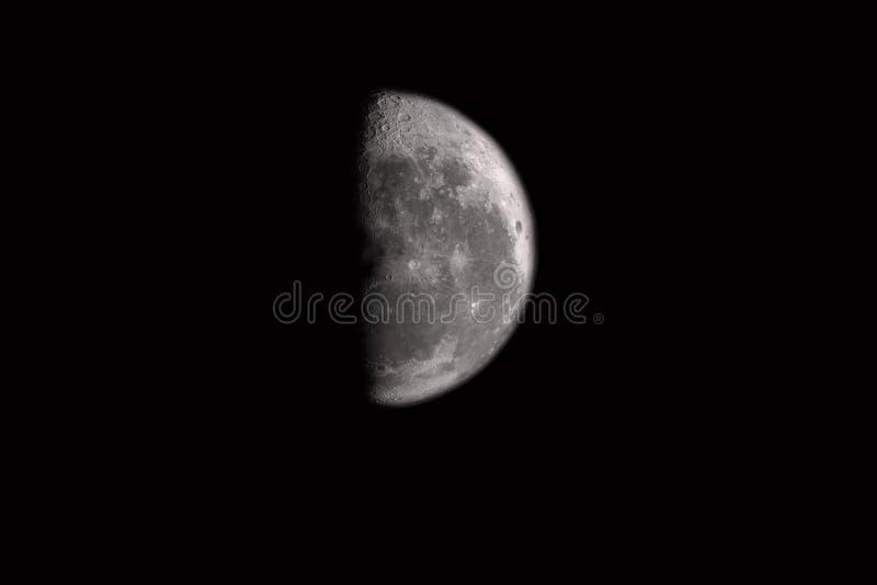Fondo de la luna aislado en negro imágenes de archivo libres de regalías