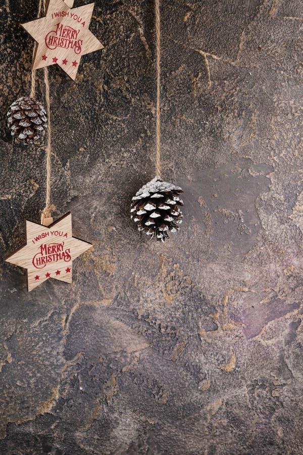 Fondo de la Navidad con el árbol de abeto y la decoración Visión superior con el espacio de la copia imagen de archivo