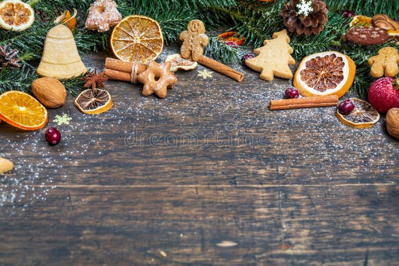 Fondo de la Navidad con la rama de árbol de navidad, decorat festivo fotos de archivo libres de regalías