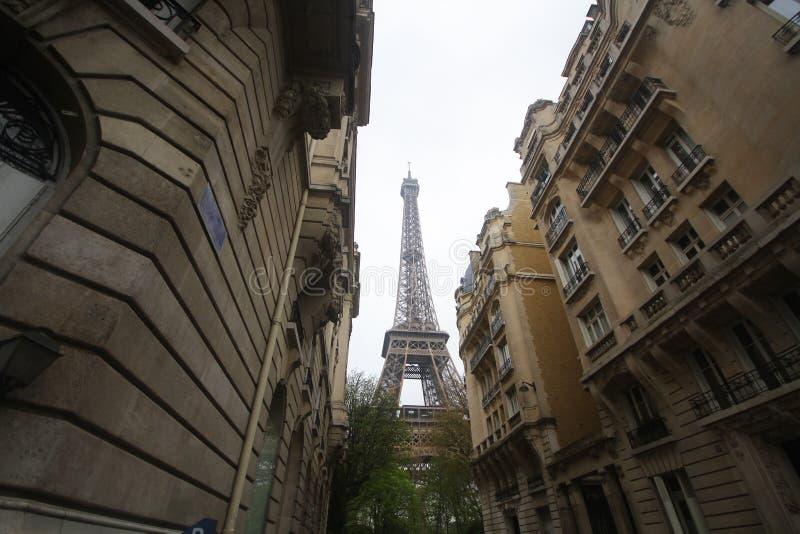 Fondo de la opinión del paisaje de la ciudad de París con el invierno de la torre Eiffel, Francia, residente que viaja fotos de archivo