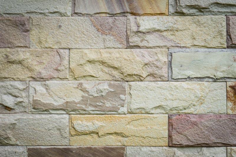 Fondo de la pared de piedra hecho con los bloques fotografía de archivo libre de regalías