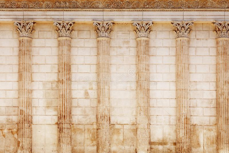 Fondo de la pared romana antigua del templo imagen de archivo