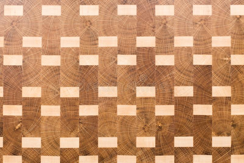 Fondo de la tabla de cortar de la cocina hecha del pedazo m?ltiple de bamb? fotos de archivo libres de regalías