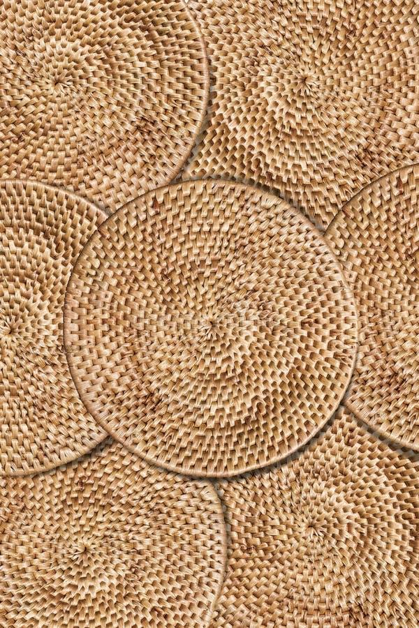 Fondo de la textura de la rota de la armadura, arreglando las capas de tradición tejidas alrededor de la bandeja, fondo de la tex imagen de archivo