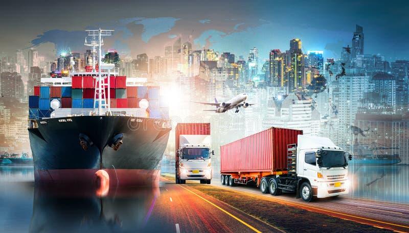 Fondo de las importaciones/exportaciones de la logística de negocio global y nave de la carga del cargo del envase fotografía de archivo libre de regalías