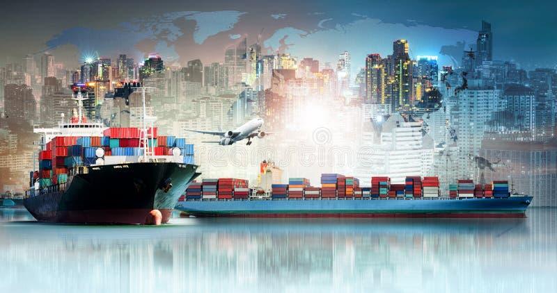 Fondo de las importaciones/exportaciones de la logística de negocio global y nave de la carga del cargo del envase imágenes de archivo libres de regalías