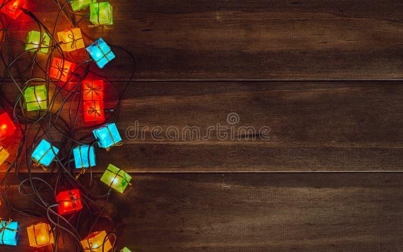 Fondo de las luces de la Navidad Feliz Navidad y x28; xmas& x29; y ne feliz imágenes de archivo libres de regalías