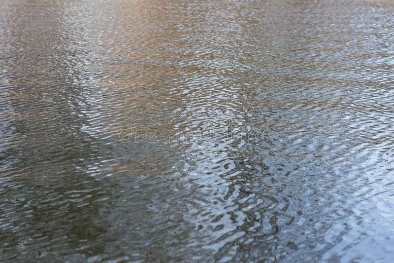 Fondo de las ondas de agua imagenes de archivo